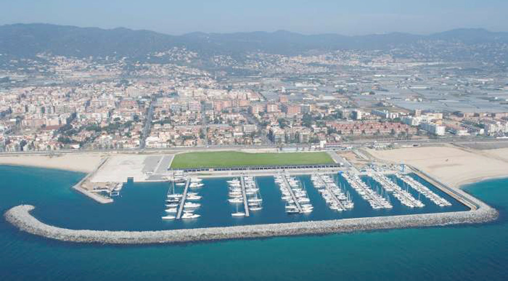 Puerto deportivo premi de mar project management y for Piscina premia de mar